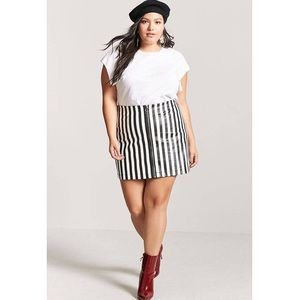 Black And White Striped Skirt. Forever 21+